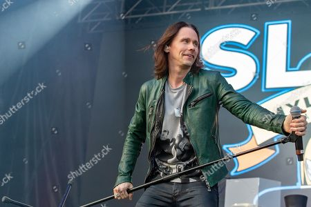 Slash featuring Myles Kennedy and the Conspirators - Myles Kennedy