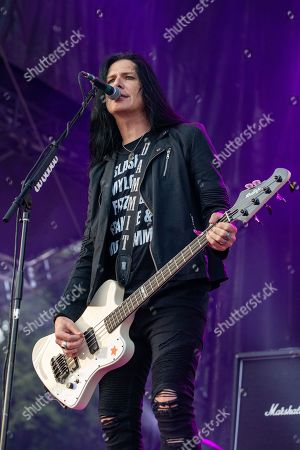 Slash featuring Myles Kennedy and the Conspirators - Todd Kerns