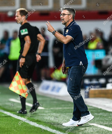 Union's head coach Urs Fischer reacts during the German Bundesliga soccer match between FC Union Berlin and RB Leipzig in Berlin, Germany, 18 August 2019.