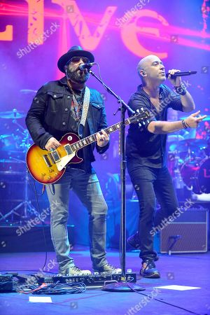 Live - Chad Taylor, and Ed Kowalczyk perform during The Altimate Tour
