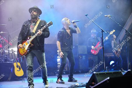 Live - Chad Taylor, Ed Kowalczyk and Patrick Dahlheimer perform during The Altimate Tour