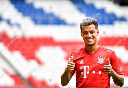 Bayern's new player Philippe Coutinho poses during a press conference at the Allianz Arena in Munich, Germany, 19 August 2019. Barcelona will loan Philippe Coutinho to Bayern Munich for the 2019-20 season.