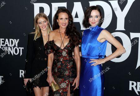 Samara Weaving, Andie MacDowell, and Elyse Levesque