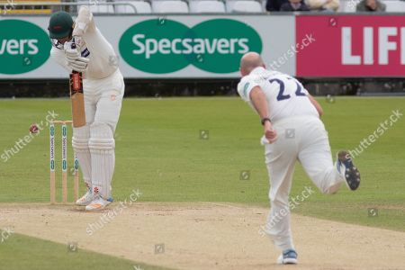 Chris Wright batting against Chris Rushworth during the Specsavers County Champ Div 2 match between Durham County Cricket Club and Leicestershire County Cricket Club at the Emirates Durham ICG Ground, Chester-le-Street
