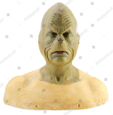 A Grinch (Jim Carrey) makeup study head from Ron Howard's holiday comedy How The Grinch Stole Christmas. Estimate: £1000 - £1500.