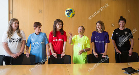 Caroline McLean (Green top), Rebecca Hook (Red top), Laura Cooper (White top), Liz Dee (Black top), Carol Campbell (Blue top) and Katie Kerr (Purple top)