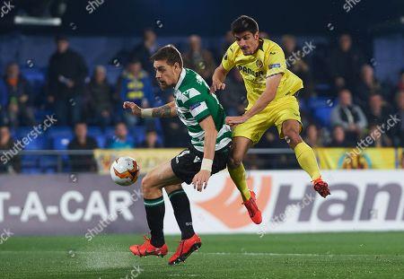 Gerard Moreno of Villarreal CF and Sebastian Coates of Sporting Lisboa