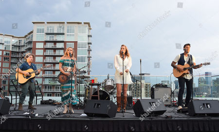 Jason Reeves, Danelle Leverett, Colbie Caillat and Justin Young from the country music band Gone West