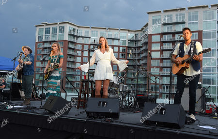 Stock Photo of Jason Reeves, Danelle Leverett, Colbie Caillat and Justin Young from the country music band Gone West