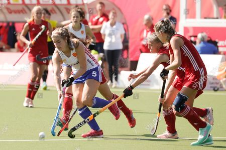 Stock Image of Sarah Evans (R) of England in action during during the EuroHockey 2019 Women match between England and Belarus in Antwerp, Belgium, 21 August 2019.