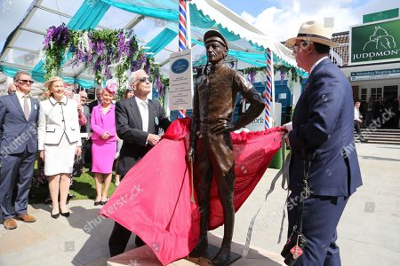 The great Lester Piggott, together with Lord Grimthorpe unveils a life size bronze statue by sculptor William Newton outside the Edwardian Weighing Room  during the Ebor Festival at York Racecourse, York