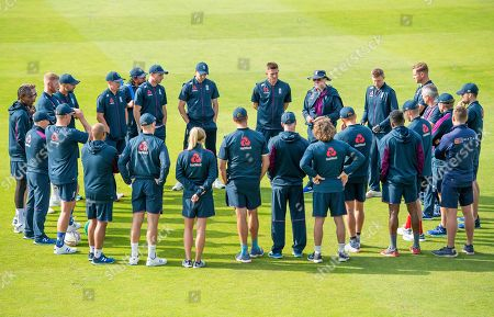 England's Trevor Bayliss leads a team meeting prior to training.
