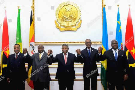 The President of the Republic of Angola Joao Lourenço (C) with President of the Republic of Congo Denis Sassou Nguesso (L) Ugandan President Yoweri Museveni (2-L) President of Rwandan Paul Kagame (2-R) and President of the Democratic Republic of Congo Felix Tshissekedi (R) during the signing of an agreement to cease the hostilities between Uganda and Rwanda, Luanda, Angola, 21 August 2019. Relations between Uganda and Rwanda have deteriorated in recent months to the point where former allies were accused of espionage, political assassination and interference in internal affairs.