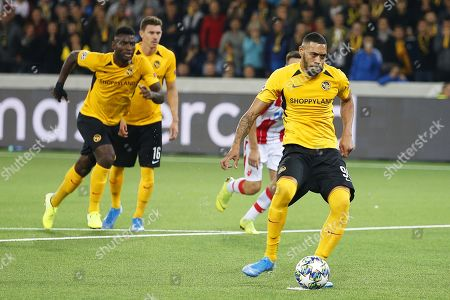 Young Boys' Guillaume Hoarau (R) scores the 2-2 equalizer from the penalty spot during the UEFA Champions League playoff, first leg soccer match between BSC Young Boys and Red Star Belgrade in Bern, Switzerland, 21 August 2019.