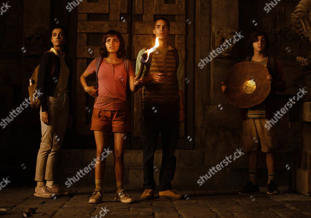 Madeleine Madden as Sammy, Isabela Moner as Dora, Jeff Wahlberg as Diego and Nicholas Coombe as Randy