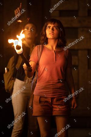 Madeleine Madden as Sammy and Isabela Moner as Dora