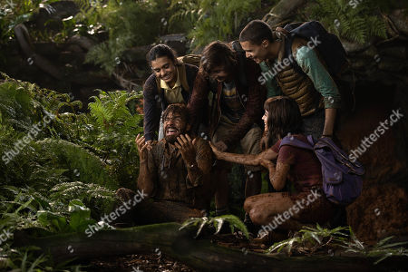 Madeleine Madden as Sammy, Eugenio Derbez as Alejandro, Nicholas Coombe as Randy, Isabela Moner as Dora and Jeff Wahlberg as Diego