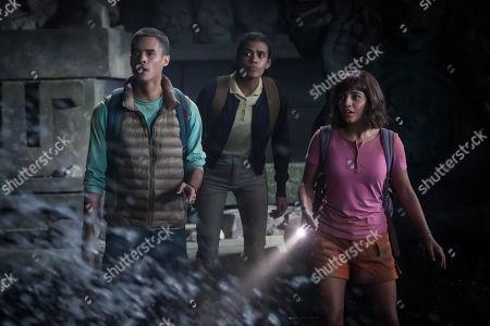 Jeff Wahlberg as Diego, Madeleine Madden as Sammy and Isabela Moner as Dora