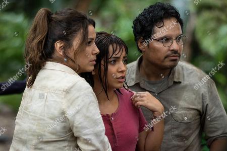 Eva Longoria as Elena, Isabela Moner as Dora and Michael Pena as Cole
