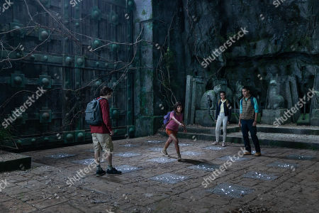 Nicholas Coombe as Randy, Isabela Moner as Dora, Madeleine Madden as Sammy and Jeff Wahlberg as Diego