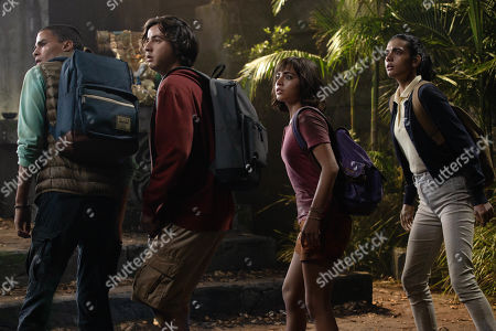 Jeff Wahlberg as Diego, Nicholas Coombe as Randy, Isabela Moner as Dora and Madeleine Madden as Sammy