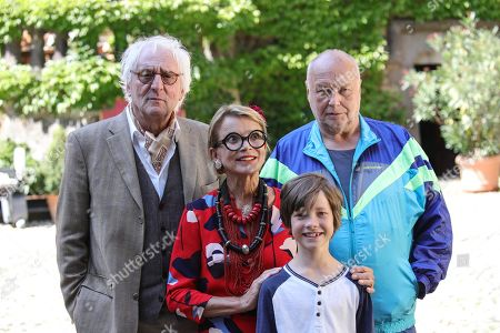Guenther Maria Halmer (L) Thomas Thieme (R) Uschi Glas (C-L) and Joan Eisenblaetter (C-R) pose for photographers prior to a press conference of the movie 'Max and die Wilde 7' in the castle of Braunfels, Germany, 22 August 2019. The filming of 'Max and die Wilde 7' started on 16 July 2019 and will take place in Hesse until the end of August. The cinema adventure is based on the popular award-winning book series by Lisa-Marie Dickreiter and Winfried Oelsner, who is a director too.