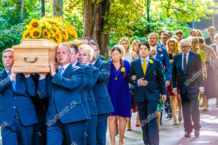 Nicolas Guillermo, Juliana Guillermo and Bernardo Guillermo, Princess Mabel, Pieter Van Vollenhoven, King Willem-Alexander, Queen Maxima during the funeral procession from the Dome of Fagel to the Coach House on the grounds of Noordeinde Palace