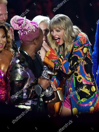 Stock Picture of Taylor Swift and Todrick Hall - Video for Good