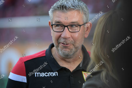 Cheftrainer Urs Fischer (1.FC Union Berlin), FC Augsburg - 1.FC Union Berlin, Bundesliga, 24.08.2019 DFL REGULATIONS PROHIBIT ANY USE OF PHOTOGRAPHS AS IMAGE SEQUENCES AND/OR QUASI-VIDEO