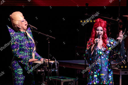 Cindy Wilson and Kate Pierson - The B-52s