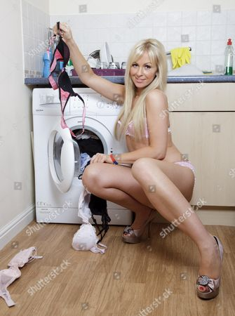 Editorial picture of Susie Hutson, Official Calendar Girl for Help for Heroes 2010 - 12 Nov 2009
