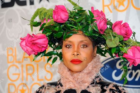Erykah Badu attends the 2019 Black Girls Rock! Awards Red Carpet at the New Jersey Performing Arts Center, in Newark, N.J
