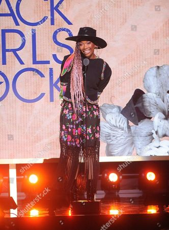 Brandy performs on stage at the 2019 Black Girls Rock! Awards at the New Jersey Performing Arts Center, in Newark, NJ
