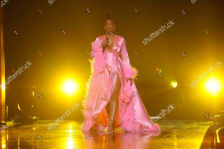 Ari Lennox performs on stage at the 2019 Black Girls Rock! Awards at the New Jersey Performing Arts Center, in Newark, NJ