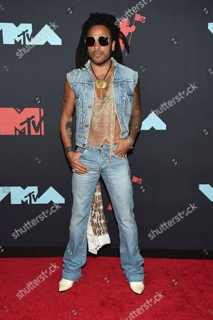 Lenny Kravitz arrives at the MTV Video Music Awards at the Prudential Center, in Newark, N.J