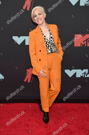 Hannah Hart arrives at the MTV Video Music Awards at the Prudential Center, in Newark, N.J