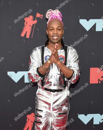 Todrick Hall arrives at the MTV Video Music Awards at the Prudential Center, in Newark, N.J