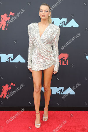 Bregje Heinen arrives on the red carpet for the 2019 MTV Video Music Awards at Prudential Center in Newark, New Jersey, USA, 26 August 2019