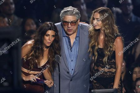 Jamie-Lynn Sigler, Drea de Matteo, Vincent Pastore. Jamie-Lynn Sigler, from left, Drea de Matteo and Vincent Pastore present the best pop award at the MTV Video Music Awards at the Prudential Center, in Newark, N.J