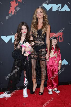 Drea de Matteo with daughters