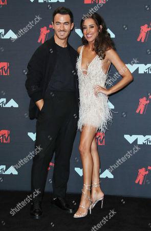 Kevin Jonas and wife Danielle Deleasa