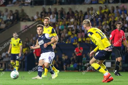 27th August 2019 , Kassam Stadium, Oxford, England; Carabao Cup Football, Second Round, Oxford United vs Millwall  ;Ben Thompson (08) of Millwall with the ball  Credit: Matt O?Connor/News Images English Football League images are subject to DataCo Licence