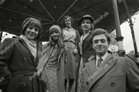 Jan Francis, as Sophie, Veronica Quilligan, as Tina, Zena Walker, as Mrs. Davenport, Kate Nelligan, as Christine, and Michael Kitchen, as Henry Batley