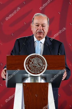 Mexican magnate Carlos Slim speaks during a press conference at the National Palace in Mexico City, Mexico, 27 August 2019. Lopez Obrador announced that an agreement was reached with three of the four private companies and seven gas pipeline contracts were being renegotiated, saving 4.5 billion dollars.