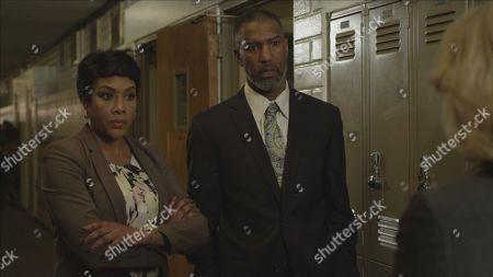 Stock Photo of Vivica A. Fox as Detective Watkins and Ricco Ross as Principal Perkins