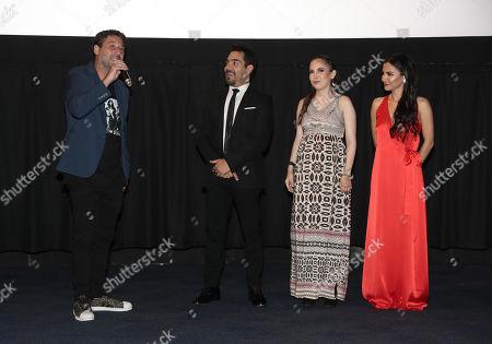 Director Ariel Winograd, Omar Chaparro, Miri Higareda and Martha Hidgareda