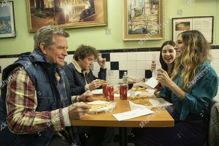 Stock Picture of Thomas Haden Church as Robert, Charlie Kilgore as Tom, Sterling Jerins as Lila and Sarah Jessica Parker as Frances
