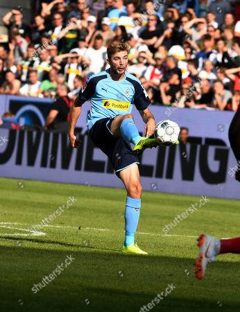 Christoph Kramer of  Borussia Moenchengladbach  Football Bundesliga Spiel FSV Mainz 05  -  Borussia Moenchengladbach 24.8.2019  in  Mainz DFL regulations prohibit any use of photographs as image sequences and / or quasi-video.