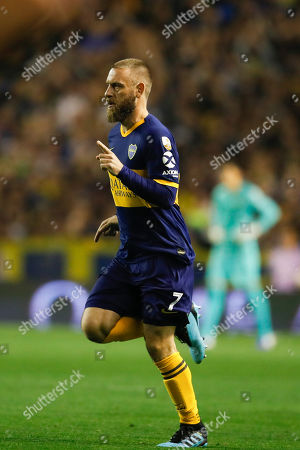 Daniele De Rossi of Argentina's Boca Juniors enters the game on a substitution during a quarter final second leg Copa Libertadores soccer match against Ecuador's Liga Deportiva Universitaria in Buenos Aires, Argentina