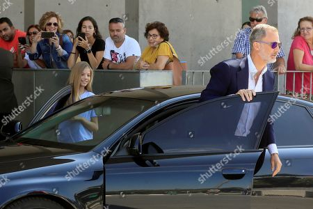 King Felipe VI of Spain (R) and his daughter Infanta Sofia (L) arrive to visit Spanish Emeritus King Juan Carlos at Quiron Hospital in Pozuelo d eAlarcon, Madrid, Spain, 29 August 2019. Emeritus king Juan Carlos recovers in hospital from a triple bypass surgery last 24 August.